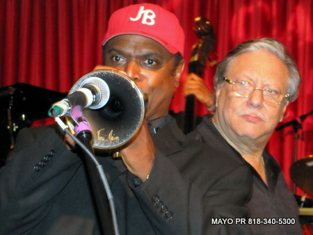 Jon Barnes on Trumpet with Arturo Sandoval, Photos by George McQuade III, MAYOPR.com